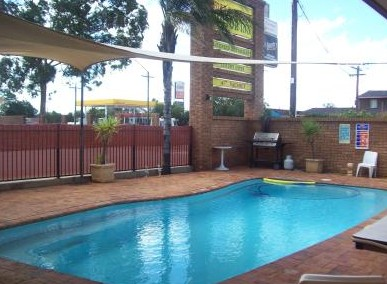 Town And Country Motor Inn Cobar - Townsville Tourism