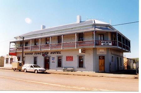Grand Junction Hotel - Townsville Tourism
