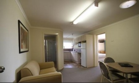Araluen Motor Lodge - Townsville Tourism