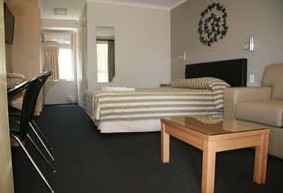 Queensgate Motel - Townsville Tourism