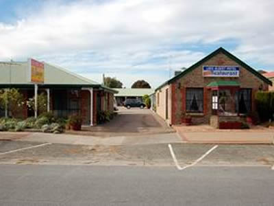 Lake Albert Motel - Townsville Tourism