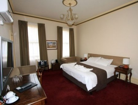 Glenferrie Hotel - Townsville Tourism