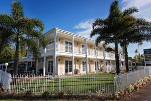 White Lace Motor Inn - Townsville Tourism