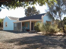 Carob Cottage - Townsville Tourism