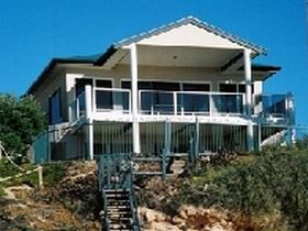 Top Deck Cliff House - Townsville Tourism