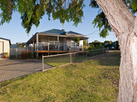 Serenity Holiday House - Townsville Tourism