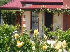 Wine And Roses Bed And Breakfast - Townsville Tourism