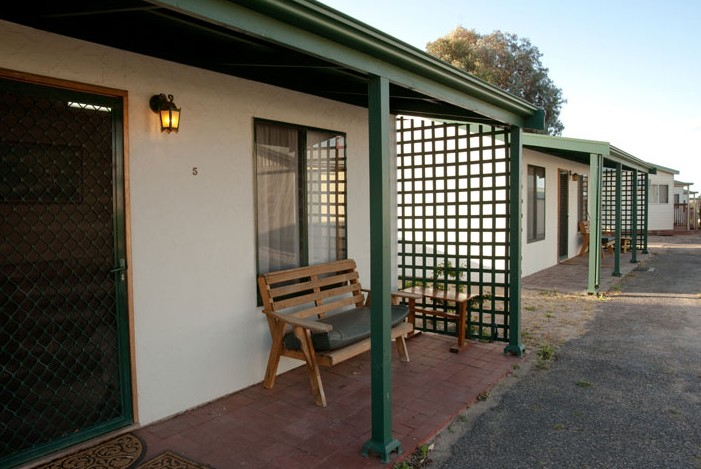 Moonta Bay Road Cabins and Cottages - Townsville Tourism