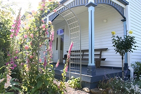 Devonport Bed  Breakfast - Townsville Tourism