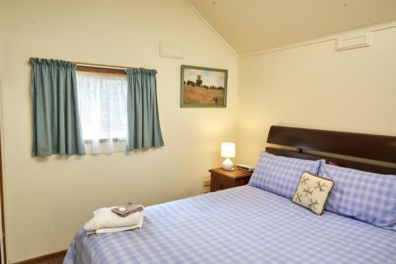 Bristol House Accommodation - Townsville Tourism