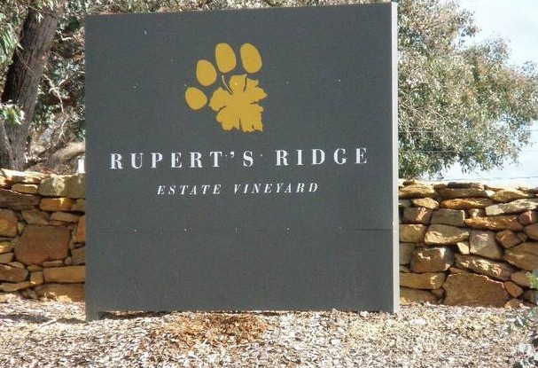 Rupert's Ridge Retreat - Townsville Tourism