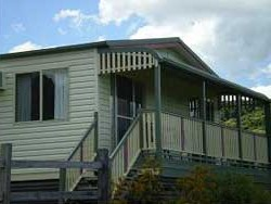 Halls Country Cottages - Townsville Tourism