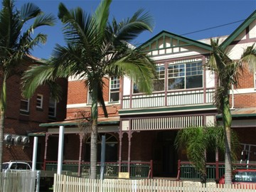 Maclean Hotel - Townsville Tourism