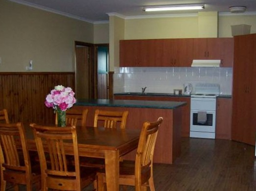 Riverland Holiday Cottage - Townsville Tourism