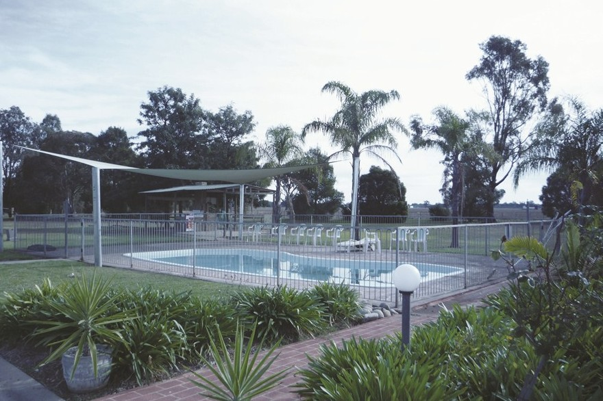 Aaroona Holiday Resort - Townsville Tourism