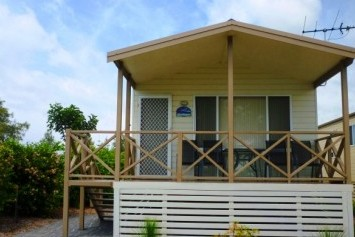 Belmont Pines Lakeside Holiday Park - Townsville Tourism