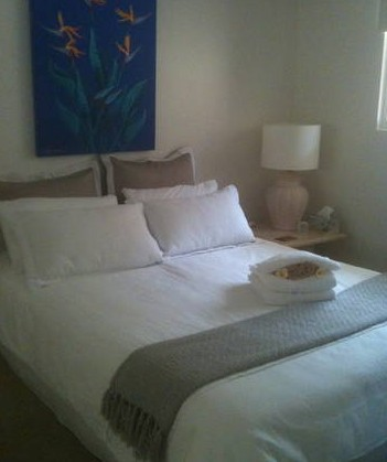 Absolute Beachfront Manly Bed and Breakfast - Townsville Tourism