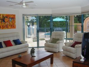 Golden Cane Bed and Breakfast - Townsville Tourism