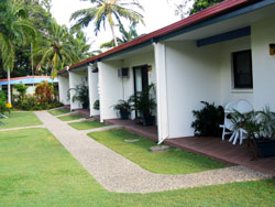 Sunlover Lodge Holiday Units and Cabins - Townsville Tourism