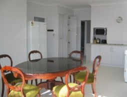 Olas Holiday House - Townsville Tourism