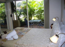 Alexander Lakeside Bed and Breakfast - Townsville Tourism