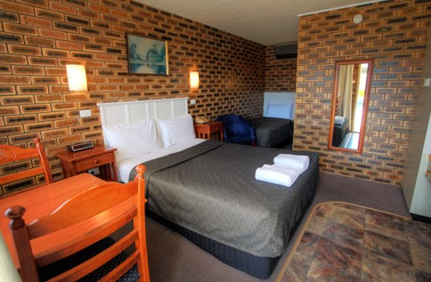 Apple and Grape Motel - Townsville Tourism