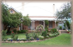 Guy House Bed and Breakfast - Townsville Tourism