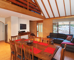 Woodstone Cottages - Townsville Tourism