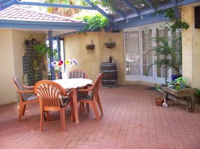 Greenways Hills Retreat - Townsville Tourism
