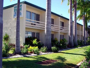 Palm Waters Holiday Villas - Townsville Tourism