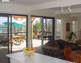 Lakeview Cottage - Townsville Tourism