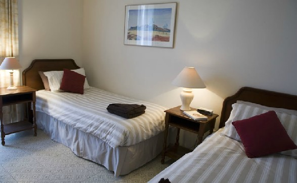 Hillsview Tourist Apartments - Townsville Tourism