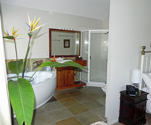 Airlie Waterfront Bed and Breakfast - Townsville Tourism