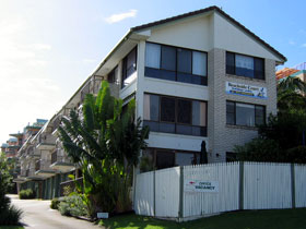 Beachside Court - Townsville Tourism