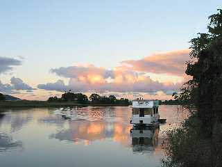 Tweed River Houseboats - Townsville Tourism