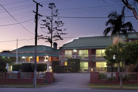 Aabon Holiday Apartments  Motel - Townsville Tourism