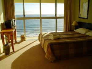 Cashelmara Beachfront Apartments - Townsville Tourism