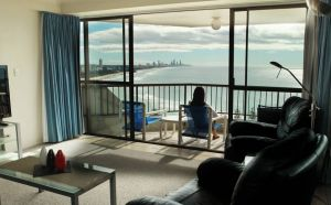Gemini Court Holiday Apartments - Townsville Tourism