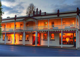 Royal George Hotel - Townsville Tourism