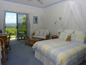 Ninderry Manor Luxury Retreat BampB - Townsville Tourism