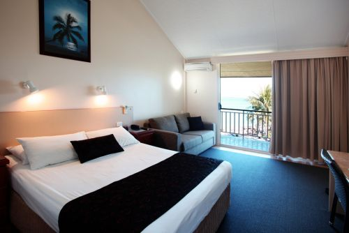 Whitsunday Sands - Townsville Tourism