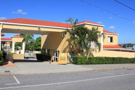 Harbour Sails Motor Inn - Townsville Tourism