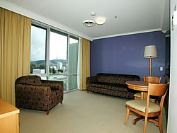 Waldorf Apartments Hotel Canberra - Townsville Tourism