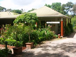 Treetops Bed And Breakfast - Townsville Tourism