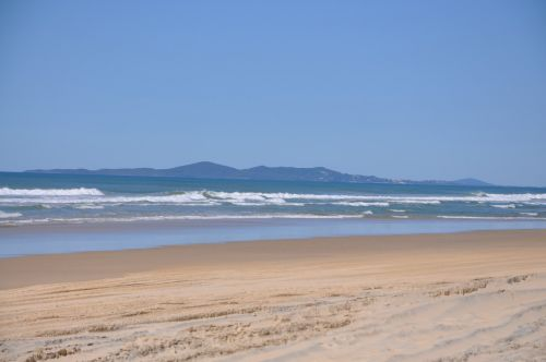 Teewah Beach Escapes - Townsville Tourism