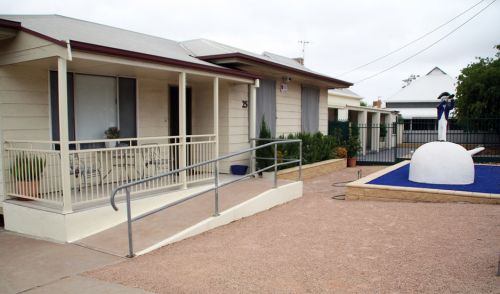 Executive Holiday Rental - Townsville Tourism