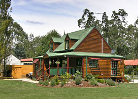 Mystic Mountains Holiday Cottages - Townsville Tourism