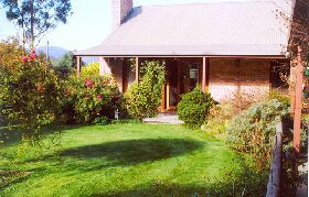Canowindra Cottage - Townsville Tourism