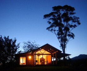Promised Land Cottages - Townsville Tourism
