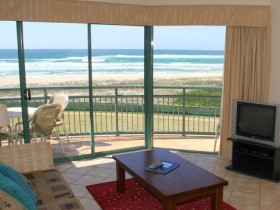 Currumbin Sands Holiday Apartments - Townsville Tourism